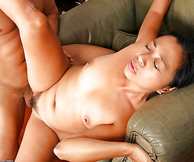 Asian amateur Lucky undressed before oral sex and hairy twat fucking