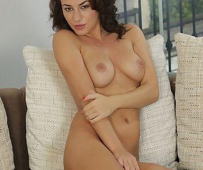 Brunette Hannah Sweet is demonstrating her gorgeous big boobies