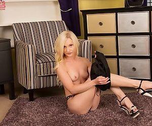 Chloe spreading shaved vagina and masturbating on the floor