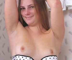 Amateur babe Ronnie taking off that lingerie to show hairy pussy