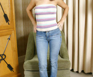 Superb chick with curly hair Ace Cambrdige is showing off in tight jeans