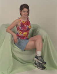 Amateur teen Ava is spreading her legs wide open in lingerie