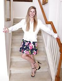 Anorexic amateur Kassie Kensington showing wide open cunt and clit on stairs