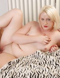 Fatty blonde Layce is sucking this hard cock for a thick cumshot