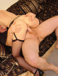 Small-titted babe Jacqueline Summers fucks on the couch after bj