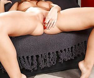 Hot beauty Sinovia is banging her lovely shaved hole with toys
