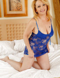 Mature chick Brandie Sweet is demonstrating her lovely holes