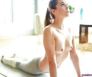 Gorgeous athletic female Kasey Warner displaying her beautiful vagina