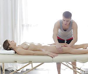 Amateur brunette Parvin is having a hardcore sex after massage