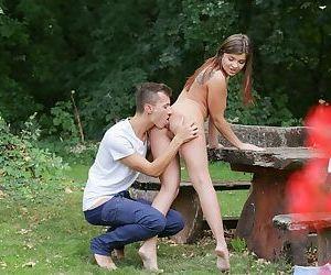 Cute hottie Renata Fox looses her shorts an sucks her BFs cock at the park