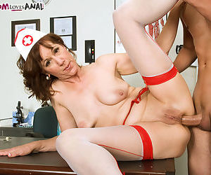 Mature nurse Elle Denay solves a young boys problems with anal sex