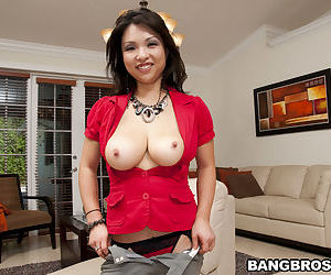 Big tits Asian milf Alexis Lee is waiting for you in her gallery