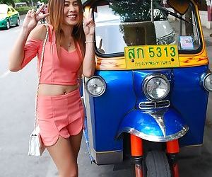 Young Thai girl gets picked up a visiting tourist that is looking for a gf