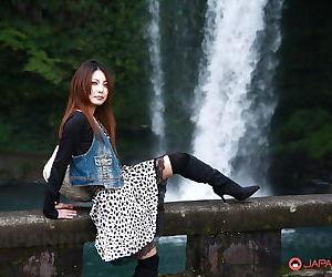 Sassy Asian Sakurako banditry hard by be transferred in river in caravan site tiny tits & soft tempest