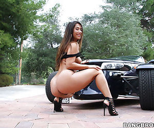 Big booty babe Eva Lovia show off her sexy ass and hairy cunt outdoors