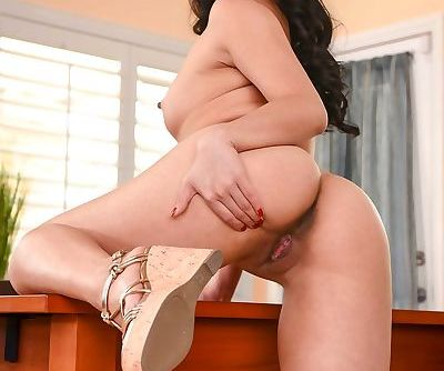 Vietnamese solo girl Cindy Starfall shows off her sexy butt as she disrobes