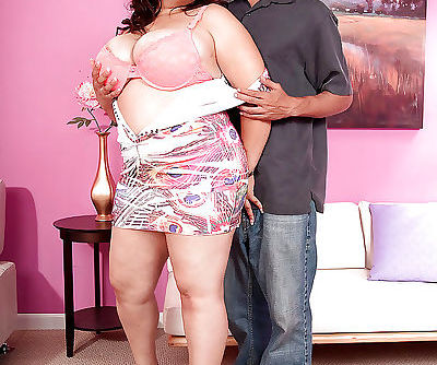 Busty bbw in miniskirt Twilight Star gets her massive tits caressed by a guy