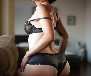 Teen Dana Vespoli shows her small tits and her big booty in black lingerie