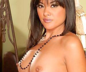 Asian MILF babe Kaylani Lei gently feels her sweet pussy naked