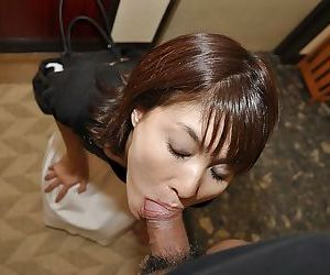 Asian MILF Miki Ando gobbles a chubby bushwa with the addition of takes a cumshot involving the brush mouth