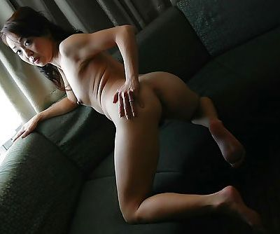 Asian MILF Mariko Yoshizawa undressing and demonstrating her cunt in close up