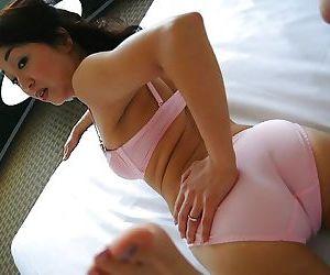 Asian MILF Mariko Yoshizawa undressing and demonstrating her cunt in close up