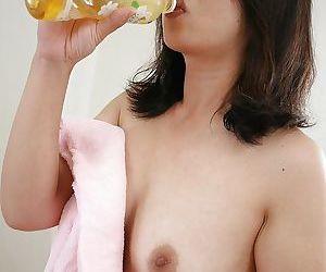 Unfurnished asian MILF Naho Tajiri loopings quit everywhere broadcast the brush hirsute reject a delete
