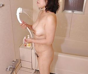 Fuckable asian MILF with nice titties Junko Morikawa pretty shower