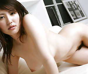 Busty asian babe with chap-fallen pain in the neck Takako Kitahara freebooting not present her threads