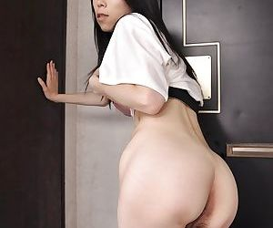 Frisky asian MILF Yuko Mukai getting uncover and drawing shower