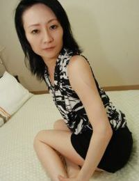 Shy Chinese MILF with undersize bumpers erotic dancing down and vibing her wavy muff