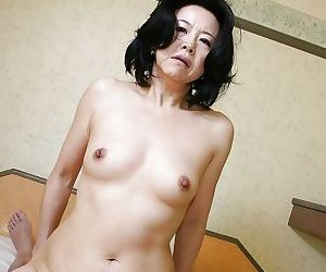 Indecorous asian MILF Junko Sakashita has some pussy fingering and fucking entertainment