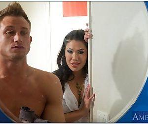 Bosomy asian slut London Keyes gives a blowjob and gets fucked hardcore