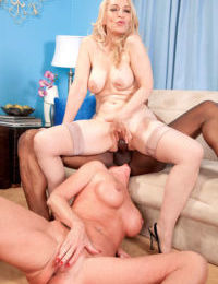 Robin Pachino uses black cock for her dirty pleasures in amazing trio
