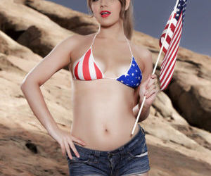 Petite USA pornstar Alaina Fox posing non nude outdoors in bikini