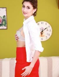Older Euro lady Meggie strips off skirt and remaining clothes to show her bush