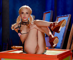 On the brink of in force pretty good slave Piper Perri is every mans teen floozy drive