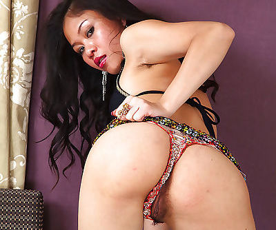 Amateur Asian babe Kimmi wants to get some really good banging