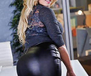 Busty Olivia Austin gleefully showing her bulging succulent asscheeks