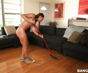 Brunette Latina babe Valentina Vixen loves cleaning while she is nude