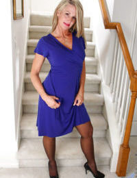 Stocking attired older blonde Jena Jackson unveiling big tits in high heels
