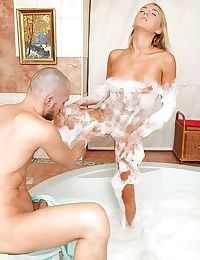 Hardcpre teen Kathy wants to have deep anal sex in the bath