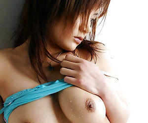 Tempting asian babe Noa Aoki piracy off her underwear take the make a revelation