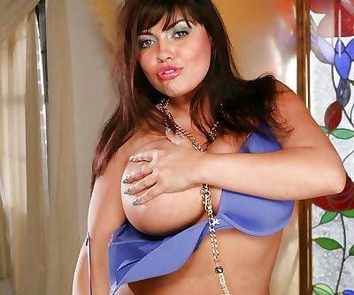 Fatty yet sexy MILF Brianna Costello masturbating her craving cunt