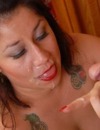 Chubby mom Rosie eating jism after taking cumshot on her face