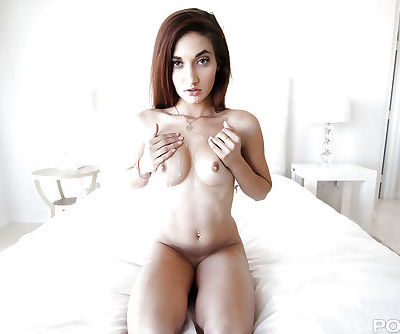 Brunette cocksucker Michelle Taylor licks balls and sucks cock Gonzo style