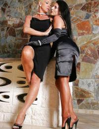 Mature lesbian Amazing Astrid and girlfriend lock lips and hump