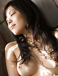 Pretty asian babe with hairy slit China Yuki stripping and posing naked
