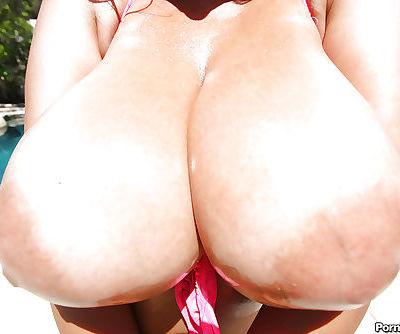 Busty Latin MILF Jaylene Rio spreading her sweet pussy outdoor