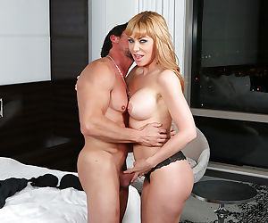 Spicy busty mom Sasha Sean is kissing and swallowing sperm so hot